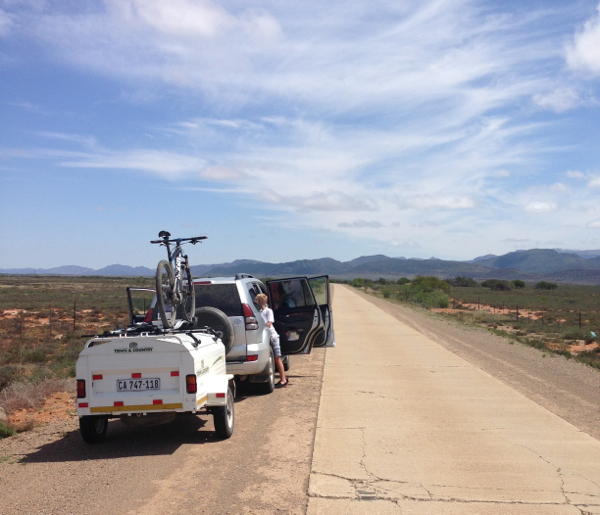 Concrete road between Steytlerville and Willowmore